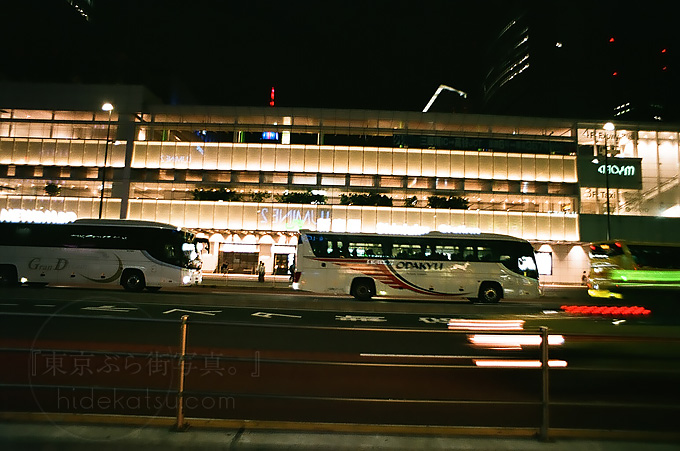 Flektogon 20mmと新宿の夜