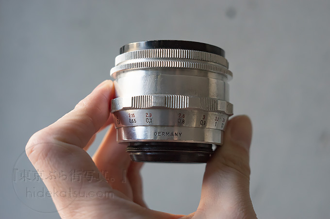 Biotar 58mm Silver lens barrel has a round and round focus and a sharp focusing surface. Verify Helios' parents.*